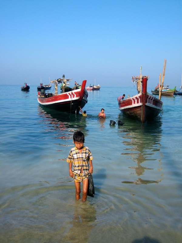 Fishing boats at Lintha Village, Ngapali